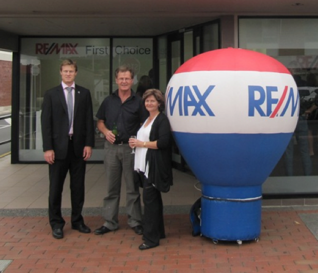 "Chris ""the cleaner"" Chapman [far left in the twenty buck shoes].  RE/MAX ""First Choice"" with criminal real estate agents.  LF is informed that Chris qualified as an accountant, which helps with laundering the criminal proceeds that the likes of Aaron Drever provide."