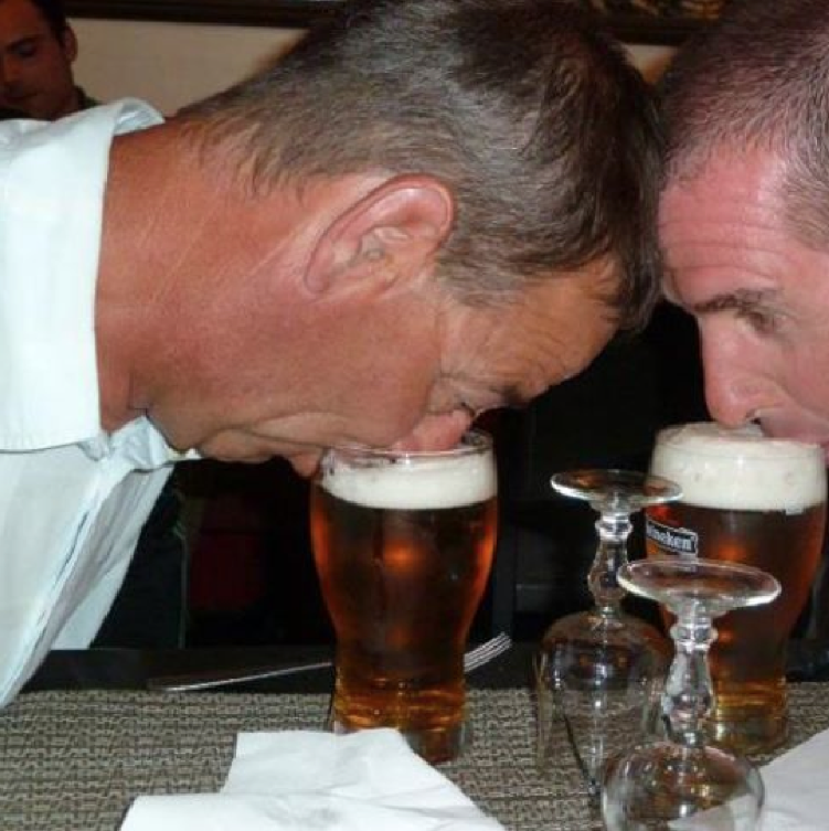 Two senior New Zealand Cops engaged in the distraction of vital evidence of a police drinking culture - no seriously folks this image is allegedly of two kiwi CIB officers enjoying a light lunch.
