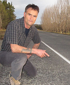 I KNEW: Alexandra man Steve Potter on Earnscleugh Rd yesterday, where a crash in 2005 was blamed on his friend Shane Cribb. Mr Potter has been a supporter of Mr Cribb's and helped him to clear his name.