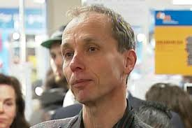 Has Nicky Hager been yet another victim of the New Zealand police fake warrant scams, search warrants obtained to enable police to embark of fishing expeditions? LF has reason to suspect that police sought the warrants against Hager for no other purpose than to protect fellow police officers.