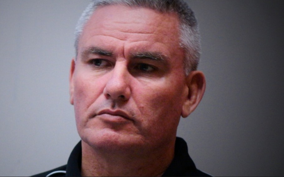 Kiwi Labour politician and MP Kelvin Davis visited Christmas Island talked up riots and then left - Hang on a minute he looks a lot like ex pat Kiwi MP Craig Thompson, Related perhaps?