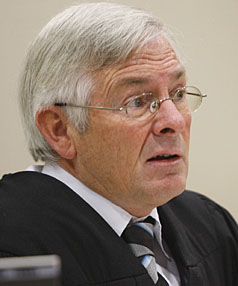 Jarden-200906 DK Judge David Saunders presiding over Kevin Moana Jarden case on historical charges of rape and sexual violation dating from 1988. news Dean Calcott story